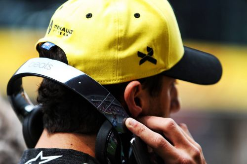 Ricciardo 'not angry' at media criticism of slow start