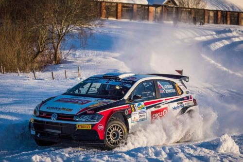 Rallye, superbe performance d'Oliver Solberg sur une Polo R5 !