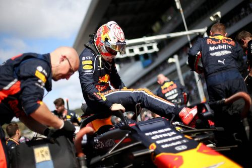 Verstappen hits back at 'silly' comments by Hamilton
