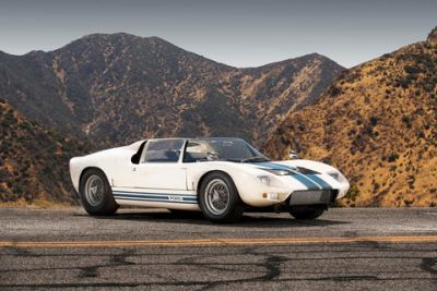 A vendre:  unique Ford GT40 Roadster