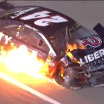 La voiture de William Byron en feu à la suite d'un accident