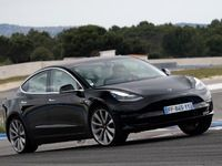 Tesla Model 3: on l'a mise sur circuit!