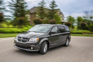 Chrysler 300, Dodge Grand Caravan, Dodge Journey, proches de la fin