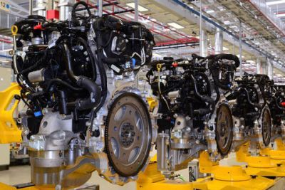 Jaguar lance la production de son nouveau 4 cylindres