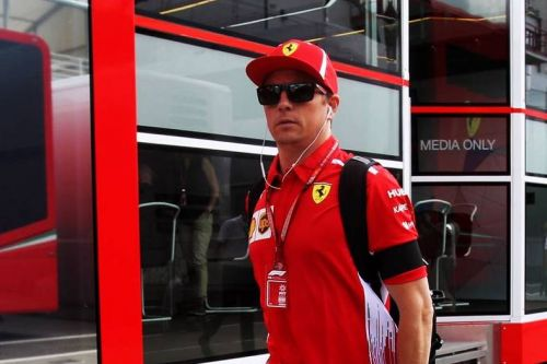 Ferrari drivers and team honour Marchionne in Hungary