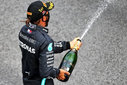 Hamilton bounces back from 'psychological challenges'