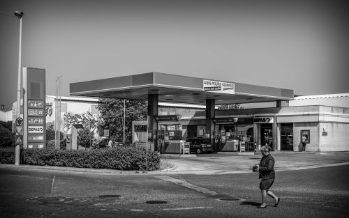 Gas Station (520)