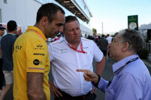 Renault 'as quick or quicker' than McLaren - Abiteboul