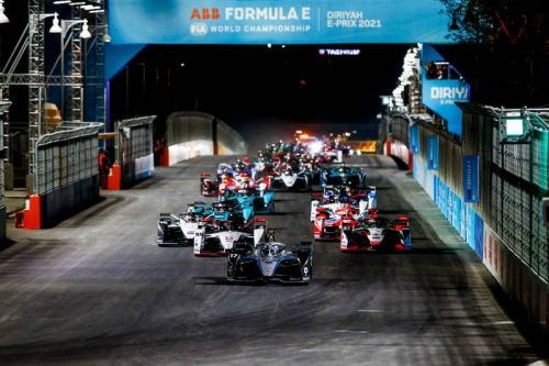 Diriyah E-Prix: De Vries enjoys opening round clean sweep