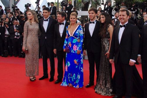Young F1 foes shine on Cannes' red carpet