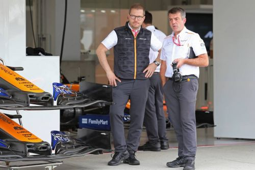 McLaren 'on target' with engine switch to Mercedes - Seidl