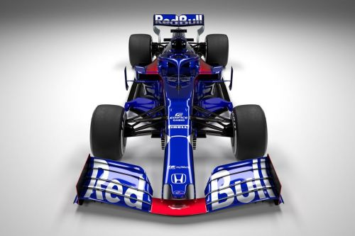 Scuderia Toro Rosso rolls out the STR14
