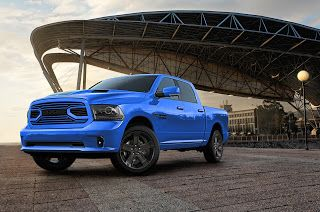 2018 Ram 1500 Hydro Blue Sport, pick-up haut en couleur
