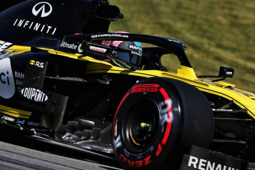 Renault 'underachieved' in Barcelona says frustrated Ricciardo