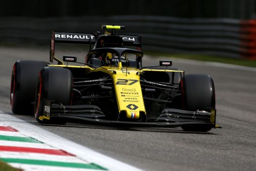 Renault rivalry with customer McLaren squad 'awkward'