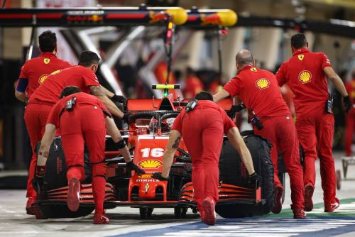 Vettel: 'Disappointed' Ferrari will have to be 'sly as a fox'
