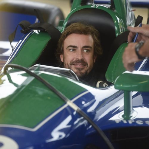 Alonso completes maiden IndyCar road course test