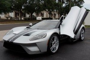 Une Ford GT revendue 1,8 million de dollars !