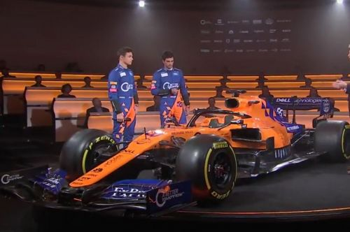 McLaren uncovers new papya and electric blue MCL34!