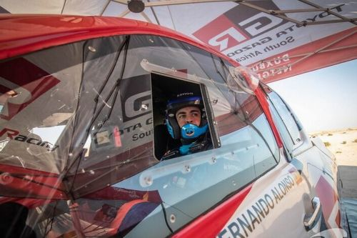 Alonso approaching big dunes 'with a lot of respect'