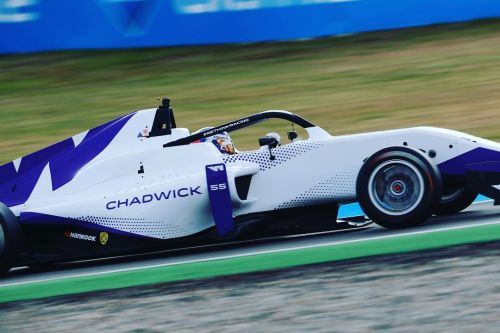 Williams F1 recruits Jamie Chadwick as development driver!