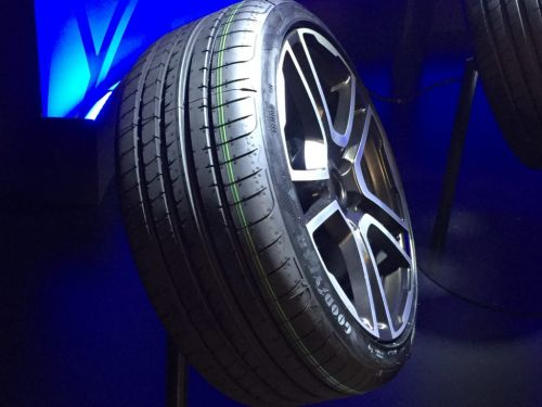 Goodyear:  Eagle F1, certifié 'UUHP'