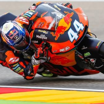 Oliveira domine les qualifications à Aragón