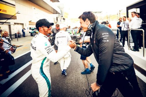 Mercedes still expecting Ferrari to 'fight fiercely' for every point
