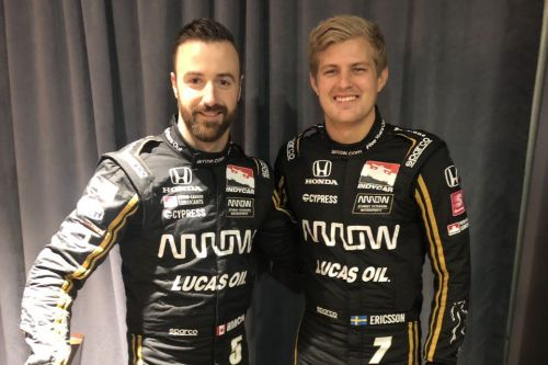 Ericsson suits up with his new IndyCar colors