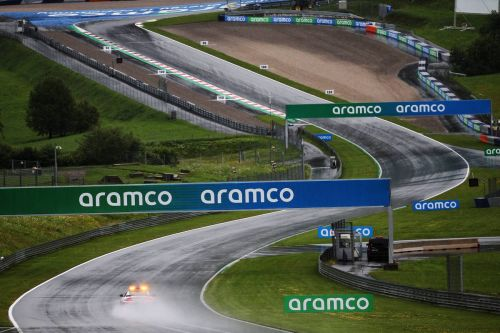 Hamilton surges to the top in rain-hit Styrian qualifying