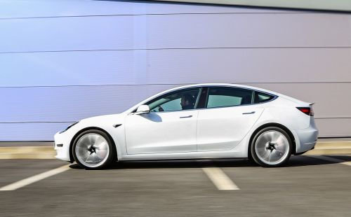 La Tesla Model 3 désormais disponible à partir de 36 800 €