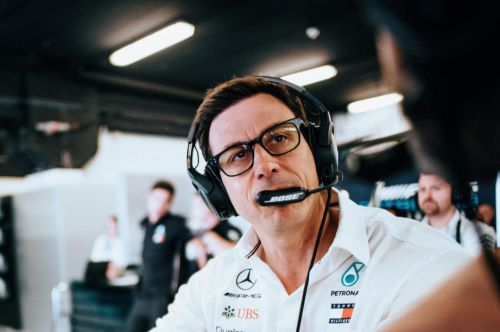 Wolff sees growing challenge from rivals as 'positive'