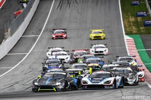 Red Bull Ring, course 2:  Adam/Wilkinson vainqueurs incontestés