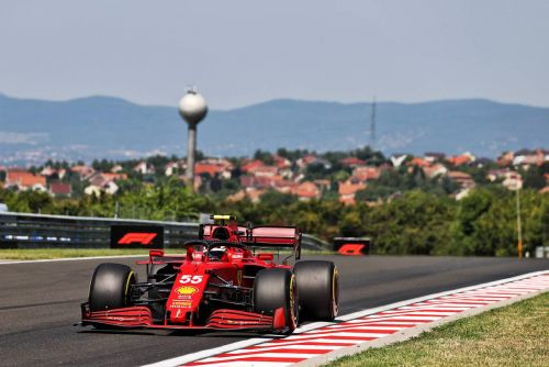 Verstappen leads Mercedes pair in Hungarian GP first practice