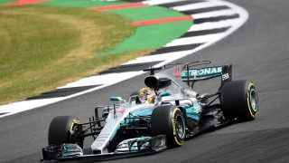 F1 Silverstone 2017 qualifications: Hamilton ravit son public