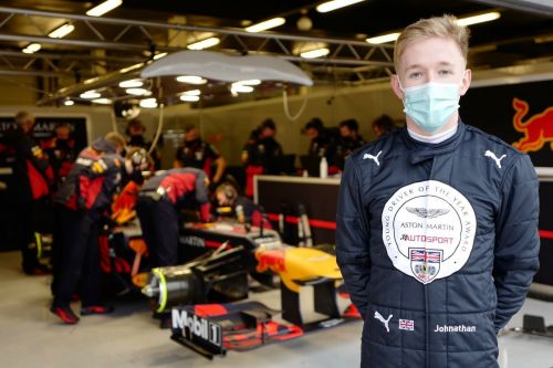 Hoggard enjoys 21-lap baptism of fire with Red Bull