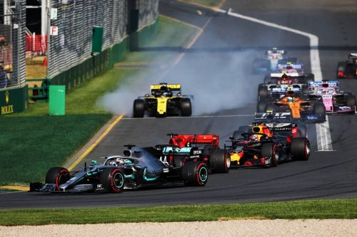 Bottas starts 2019 with big win over Hamilton in Australia!
