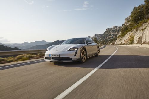 Porsche Taycan Cross Turismo (2021). Le break baroudeur électrique