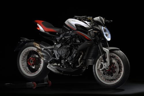 MV Agusta Dragster 800 RR 2018:  Surprise de Milan