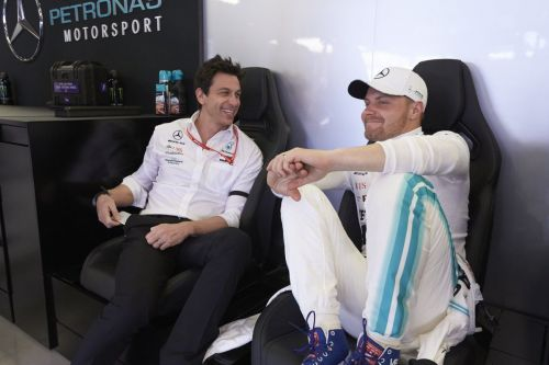 Fastest lap opportunity 'hotly debated' at Mercedes on race day