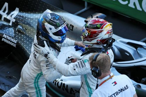 Wolff won't play favourites between Hamilton and Bottas