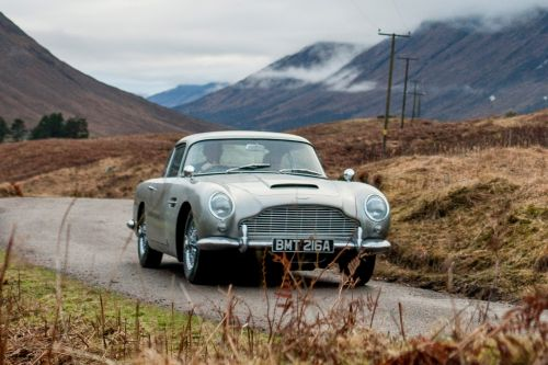 "Aston Martin DB5 ""Goldfinger"":  on ne vit que deux fois"