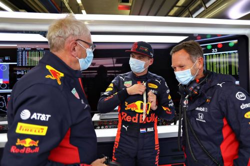 Mercedes duo rules again in FP3 but Verstappen closes in