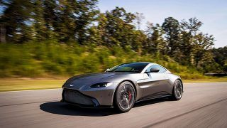 Aston Martin V12 Vantage:  en question