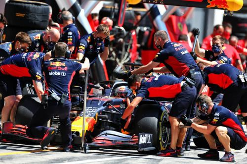 Verstappen admits 'Mercedes are on another level'