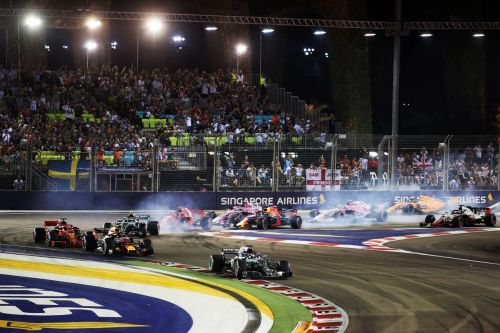 Calm Hamilton stays firmly in control for Singapore win