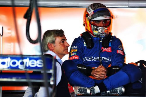 FP1 engine issue leaves Sainz's confidence trailing